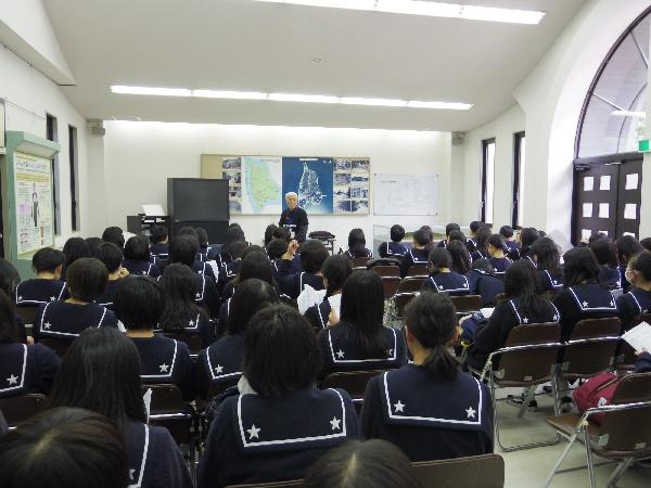 写真①山内さんによる講演